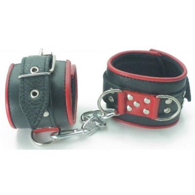 Широкие черные наручники с красным декором